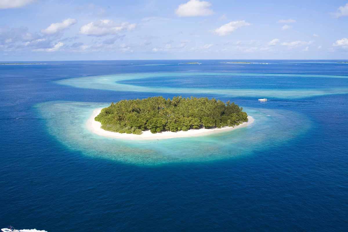 острова в море